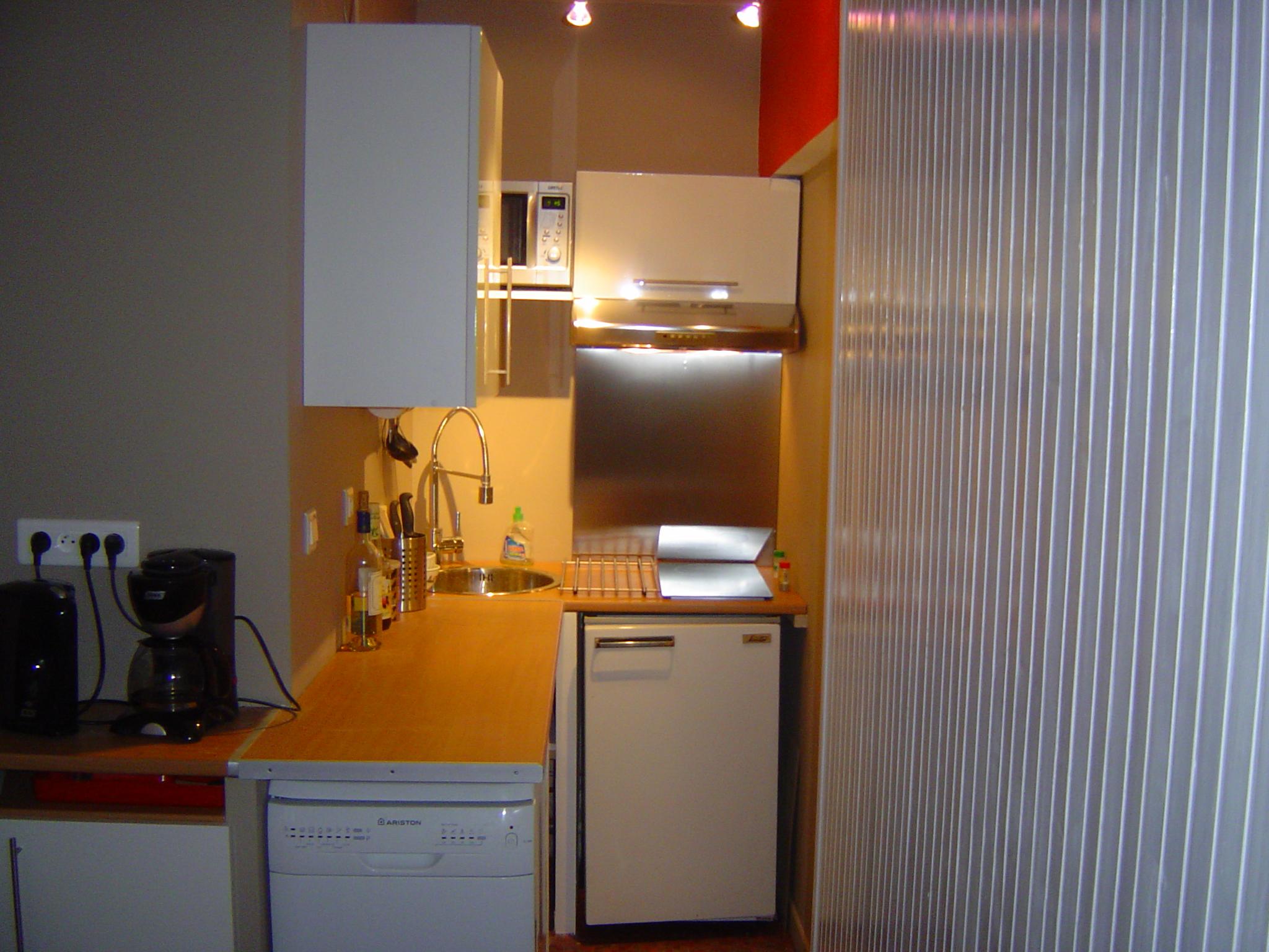 Appartement au super lioran descriptif de l appartement for Cuisine 2m2